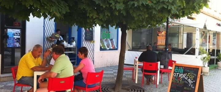 Čili Cafe - Juice and salad place