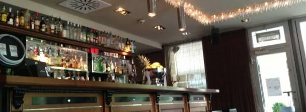 Larus Café Bar