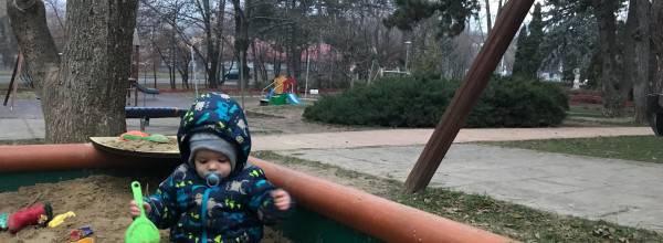 Fenyves parki játszótér