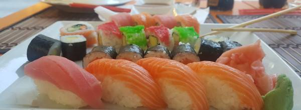 Aroy-Thai & Sushi Restaurant