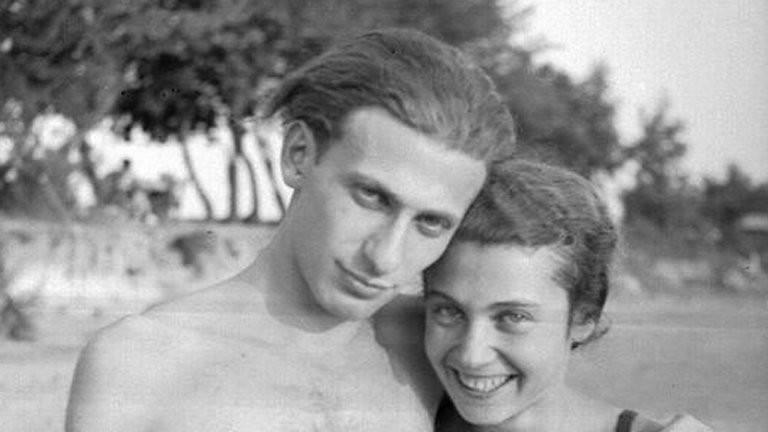 """Képtalálat a következőre: """"Küszködik és teremt - Felolvasás Radnóti Miklósné Gyarmati Fanni naplójából"""""""